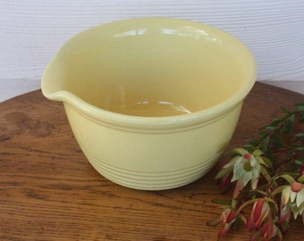 Stunning yellow Bakewell's vintage mixing bowl with pouring lip