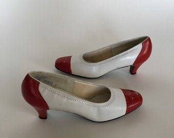 Vintage Selby Red and White leather cutout heels size 9 narrow