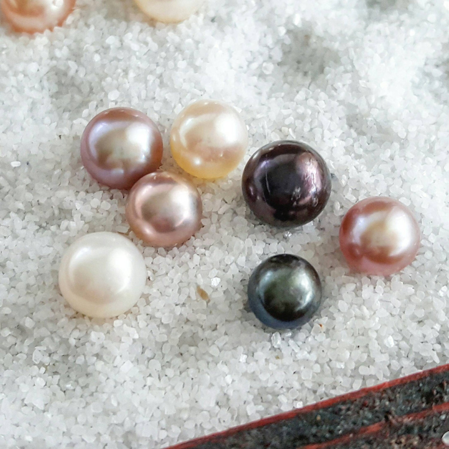 5 Open an Oyster With Pearls Akoya Saltwater Oyster Pearl