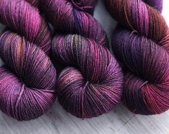 Grape Vine: 100% superwash BFL sock yarn, handpainted