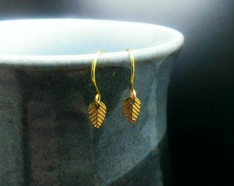 5% Off Gold Leaf Dainty Dangle Stamped Earrings