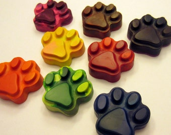 Set of 8 Colorful Puppy Paw Crayons