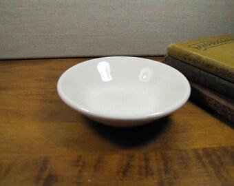 Homer Laughlin Berry Bowl - Dessert Bowl - Creamy White - Restaurant Ware