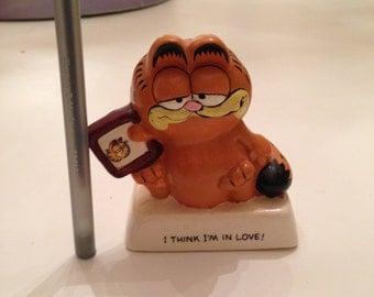 "70s Garfield figurine ""I think im in love"""