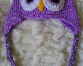 Owl-designed baby hat in gray and lavender