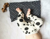 Pillow vegan for baby and has grounds to black and white Swiss cross in with organic buckwheat hulls (2nd year anniversary)