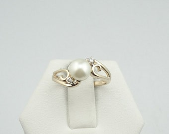 Vintage Cream Pearl in a 14K Yellow Gold Ring  #CRMPRL14K-SR