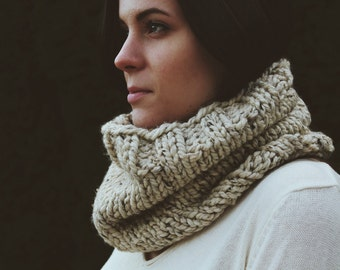 Chunky Cowl / Oatmeal / Winter Collection