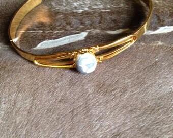 Gold Howlite cabochon bangle bracelet