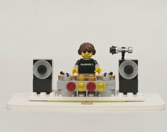 Custom Lego MOC DJ with Speakers, Turntable and Stage - Disc Jockey