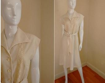 Vintage 1970's Cream Berkertex Sleeveless Summer Dress