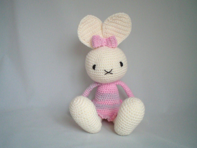 Amigurumi Cute Rabbit : Crochet Bunny Rabbit / Crochet Amigurumi Bunny Rabbit / Cute