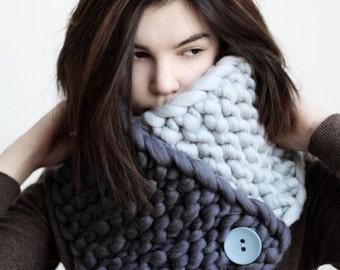 MERINO wool hand knitted cowl/ Super Chunky  Scarf/ Oversized Scarf/ Chunky Cowl Scarf/ Womens chunky cowl/ Large cowl/ Large scarf