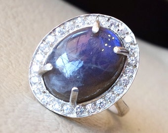 women ring flashy blue labradorite entourage white cubic zircon pave setting sterling silver 925 all sizes natural oval cabochon stone