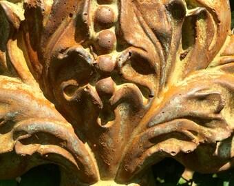 Fleur de lis cement wall plaque adornment