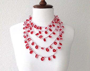 beadwork necklace - crochet necklace - strand necklace - bohemian gipsy - flower lariat - lace jewelry