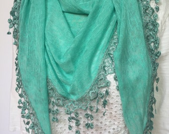 Lime triangle scarf with knit fringe