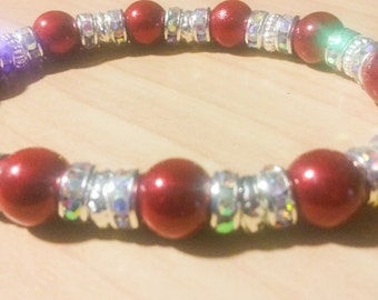 Beaded stretch bracelet in red, white and crystals!