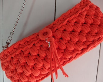 Small t- shirt yarn bag in the color orange,
