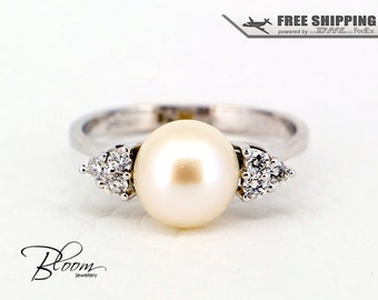 White Pearl Diamond Ring 18K Solid Gold Ring Freshwater Pearl Ring White Gold Pearl Ring Gold Diamond Ring Cultured Pearl Ring Diamond