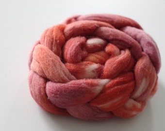 Handdyed, handpainted merino top. OOAK roving for spinning and felting 3.5 oz. / 100 gram - brick and poppy