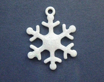 5 Snowflake Charms - Snowflake Pendants - Snowflake - Glittery Snowflake - White Snowflake - Enamel Charm - 27mm x 20mm -- (No.92-11199)