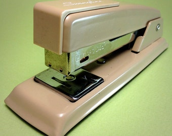 Swingline 711 stapler -- MINT condition