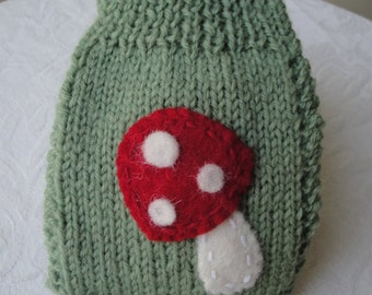 phone cosy, knitted phone cover, mobile phone sock, green phone cosy, toadstool phone cosy, green phone sock, wool phone cosy, mobile cosy