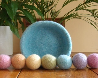 Felted Wool Pale Blue Bowl & Felted Ball set / Kids Balls / Juggling Balls