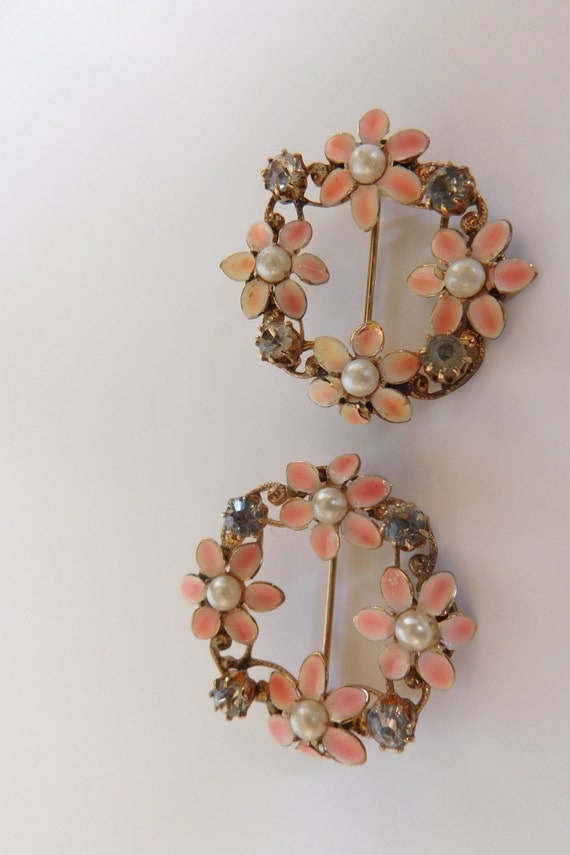 Vintage Enamel Flower Pins 4
