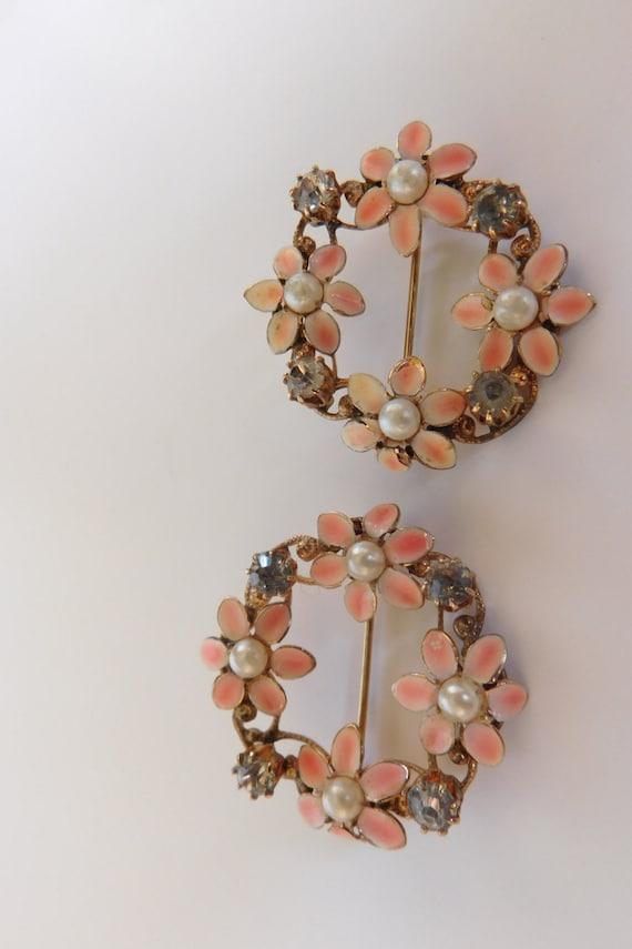 Vintage Flower Pins 32