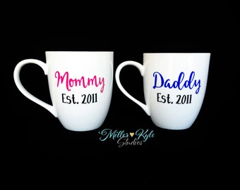 Mommy and Daddy Coffee Mugs - New Parents Gift - Baby Shower gift - Pregnancy Reveal - Mom Mug - Dad Mug - Mothers Day Gift - Personalized