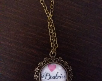 Cameo necklace personalized with name