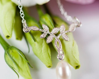 Pearl Leaf Necklace - Silver Vintage Inspired Bridal Necklace - First Dance Necklace