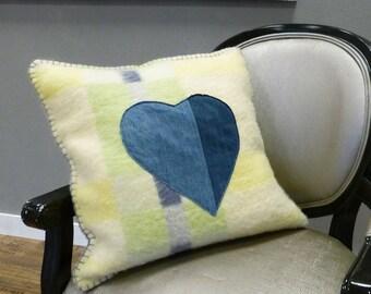 Cute green pillow || Jeans heart