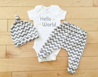 Gender Neutral Baby Coming Home Outfit / Unisex Baby Clothes / Knot Hat / Grey Chevron