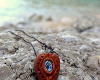PAUA SHELL Avocado seed NECKLACE - Eco Jewelry - Bioedgradable - Natural Jewelry