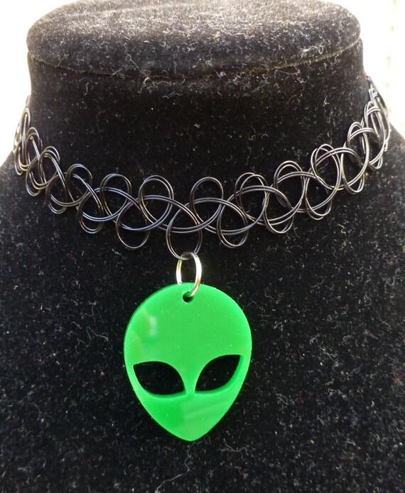 GREEN ALIEN CHOKER : Tattoo Choker Alien by TheVenusGoddess
