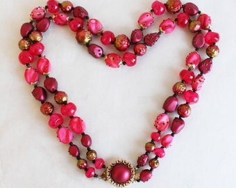 Vintage 1950s Hot Pink and Fuchsia Beaded Necklace