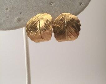 Vintage Napier earrings, Gold metal Napier, Gold leaves, pierced earrings, mark Napier, Fall earrings