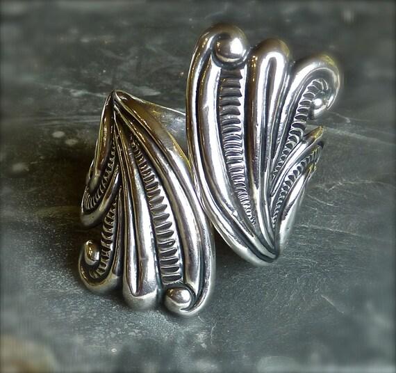 STERLING  SILVER CLAMPER ~ Hinged Cuff Bracelet ~ Art Deco ~ Vintage 1940s ~ Signed Initials Inside Cuff E.D.P ~ E.de Pichardo Renacimiento