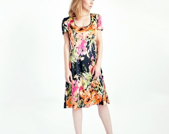 Eddie Printed Silk A-line Dress // Dress with Short Sleeves // Knee Length Dress