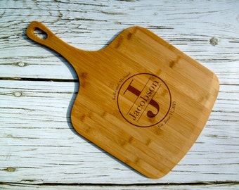 Last Name Monogram Pizza Peel, Pizza Paddle, Pizza Tray, Pizza Platter, Paddle Board, Cutting Board, Laser Engraved, Pizza gift, Bamboo