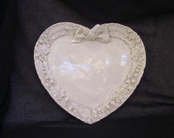 Italian Plate Floral Heart 7384 White
