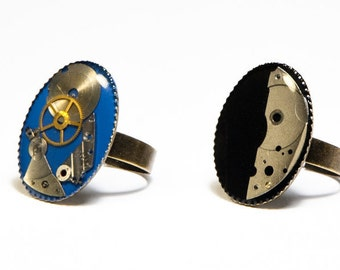"DISCOUNTED! ""Tick-tock"" rings with machinery of watches"