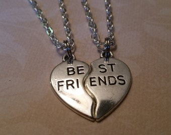 "Best Friends Silver Necklace Set, Silver Plated Chain, Antique Silver ""Best Friends"" Charms Set, Friend Gift, Best Friend Gift, Necklace Set"