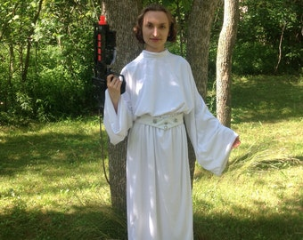Ladies Medium Princess Leia Dress and Detachable Belt