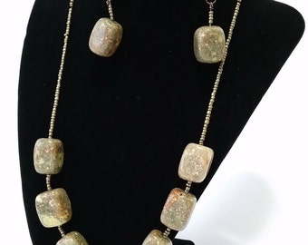 Agate set (earrings + necklace)