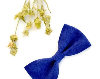Blue leather hair bow / Suede leather hair bow / Cobalt blue hair clip / Hair accessories / Blue suede leather