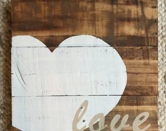 Wooden Pallet Love Sign